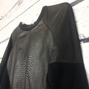 Petterson J. Kincaid black snake print sweater S